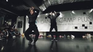 東京ゲゲゲイの「MIKEY」ときゃりーぱみゅぱみゅ振り付けの「MAIKO」によるワークショップ!そのキレキレなダンスにスタジオ内に歓声が沸き起こる!