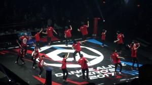 ショーケースに「九州男児新鮮組」が登場!体を張った大技やキレのあるブレイク技を連発!