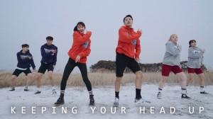 軽快なダンスに楽しくなってくる♪「Junsun Yoo」振り付けのKeeping Your Head Up!