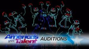 【America's Got Talent 2017】ライトを巧みに使ったダンスパフォーマンスに会場圧巻!