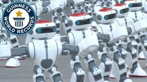 これが本物のロボットダンス!1,007台のロボットが同時に踊ってギネス世界記録に!