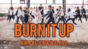 """マイケル・ジャクソンの妹、ジャネット・ジャクソンの""""Burn It Up""""を振付けした壮大なダンスビデオ!"""