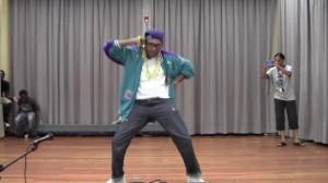 80年代から現代えタイムスリップ!全てのトレンドダンスムーブをまとめたダンス動画!