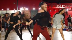 """激熱!!Cardi Bの新曲""""Bodak Yellow""""に合わせたエナジー溢れて止まらない激熱ダンス!"""