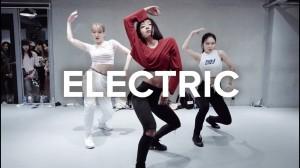 指先まで魅せる美しい振り付け。May J Leeによる「Electric」に注目!