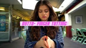 新動画《Dytto》フリースタイルFinger Tutting!言葉を失うほど可憐な指先に注目!