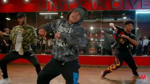 """全ては""""Tempo""""!踊りこなせたら絶対クール!Chris Brownの楽曲に合わせた振付けダンス動画!"""