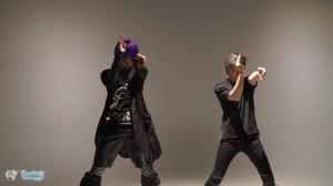 不思議すぎる世界観!フィンガータットのパフォーマンス動画の次元がおかしい【Nari + Ryoga】