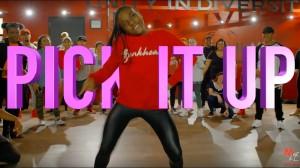新作!今回の《Phil Wright》の振付けは力強さのあるコンパクトなスマートダンス?!