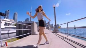 """2018年のダンスミュージックでノリノリのシャッフルを""""踊ってみた""""なまとめ動画!"""