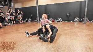 【菅原小春振り付け】日本人ダンサー2人がURBAN DANCE CAMPに登場!感情の表現がスゴい「Dog Days」!